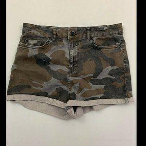 Topshop Women's Green Camo Jean Shorts Size 28